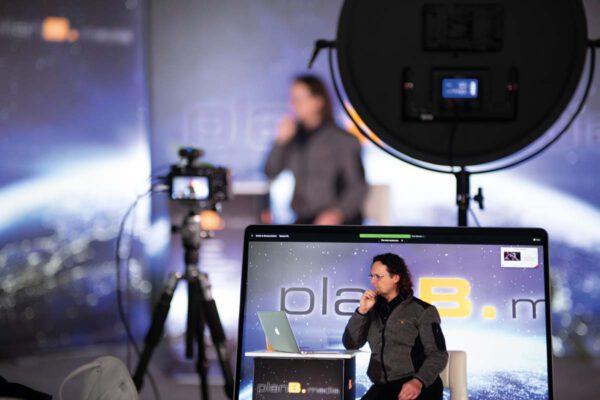Livestream studio fW